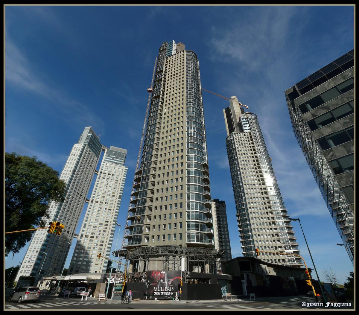 Puerto madero suma 26 torres y gana altura for Piso 9 del hotel madero